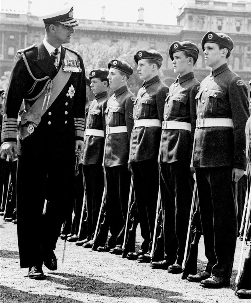 الأمير فيليب العميد الجوي الفخري في سلاح التدريب الجوي – الصورة من إنستغرام