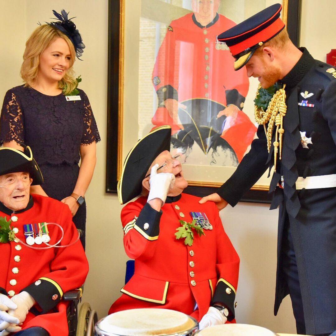 قرار الملكة هدفه تجنيب حفيدها الأمير هاري وابنها الأمير أندرو من الإحراج- الصورة من أنستغرام