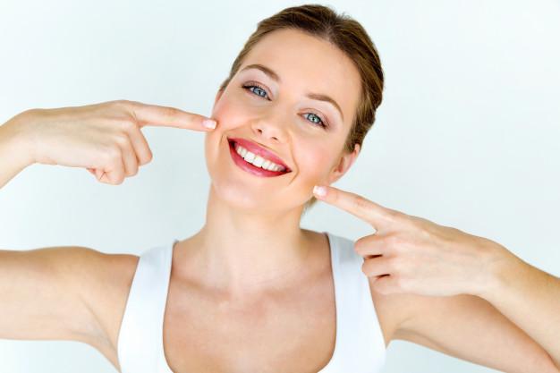 ضرورة العناية بالأسنان