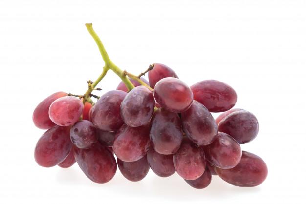 العنب الأسود لإزالة تصبغات الوجه