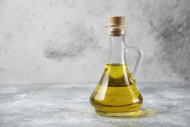 تجديد البشرة الجافة بالزبادي والعسل وزيت الزيتون والتفاح