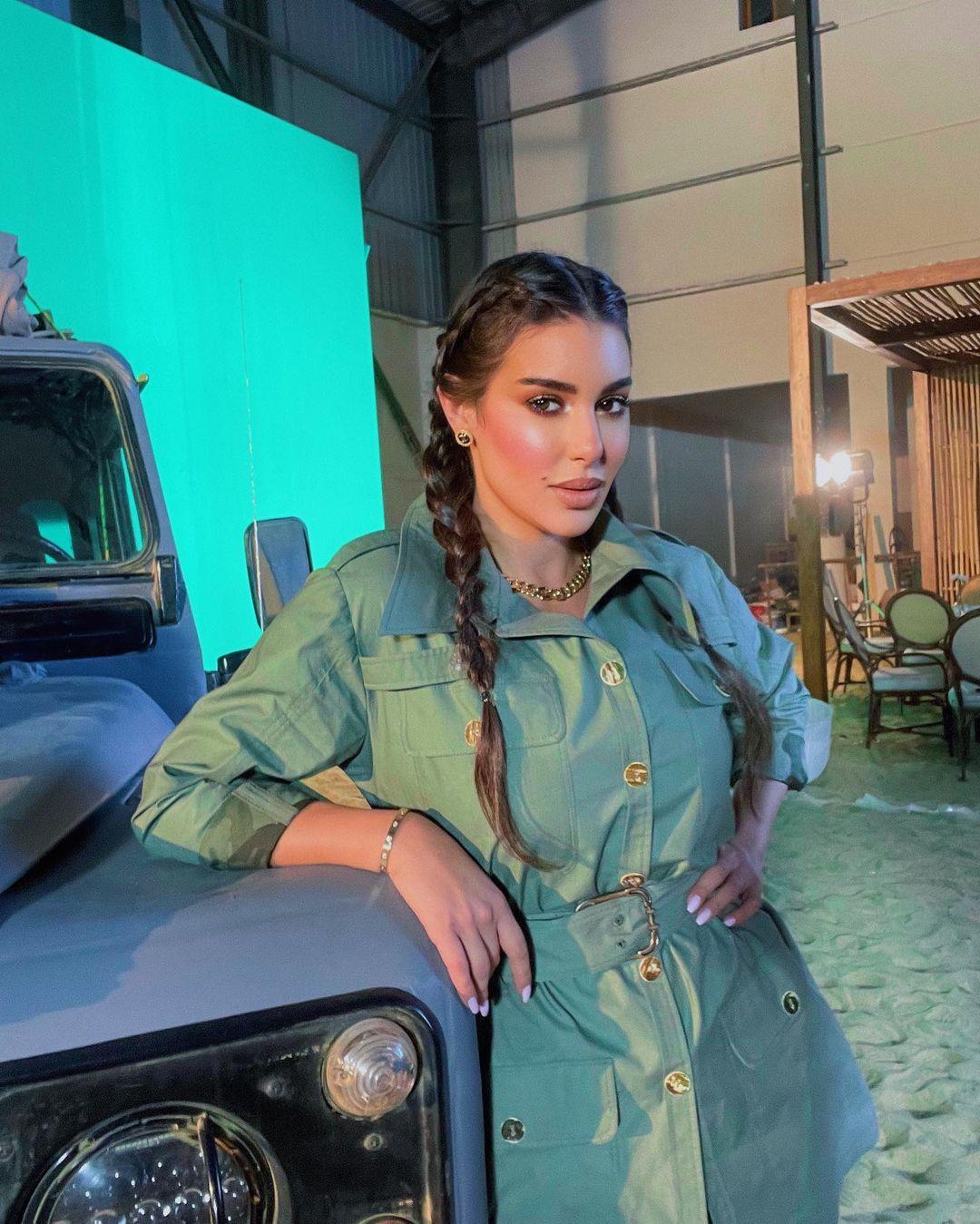 ياسمين صبري بتسريحة البوهو(الصورة من حسابها في إنستغرام)