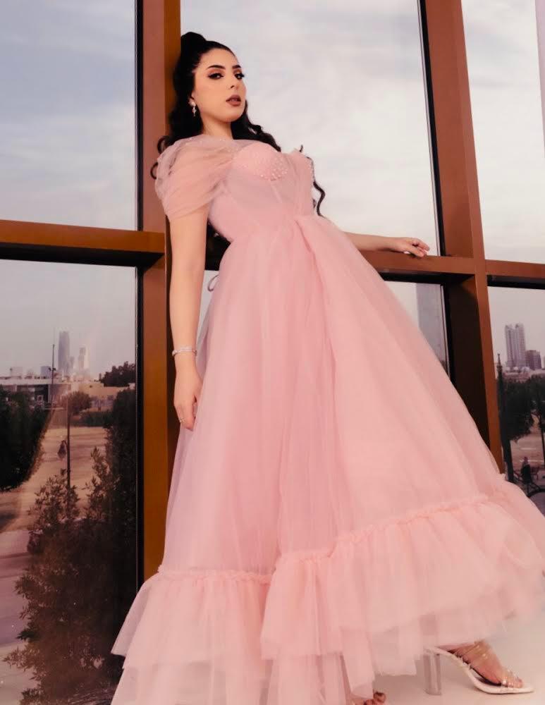 فستان سهرة من المصممة لمياء الكلثم