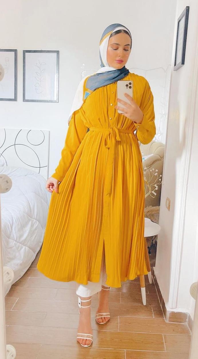 مريم حسن بالفستان الميدي -الصورة من حسابها على الانستغرام