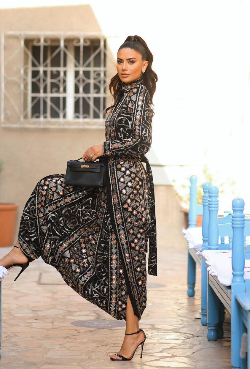 ديما الاسدي بفستان رمضاني -الصورة من حسابها على الانستغرام