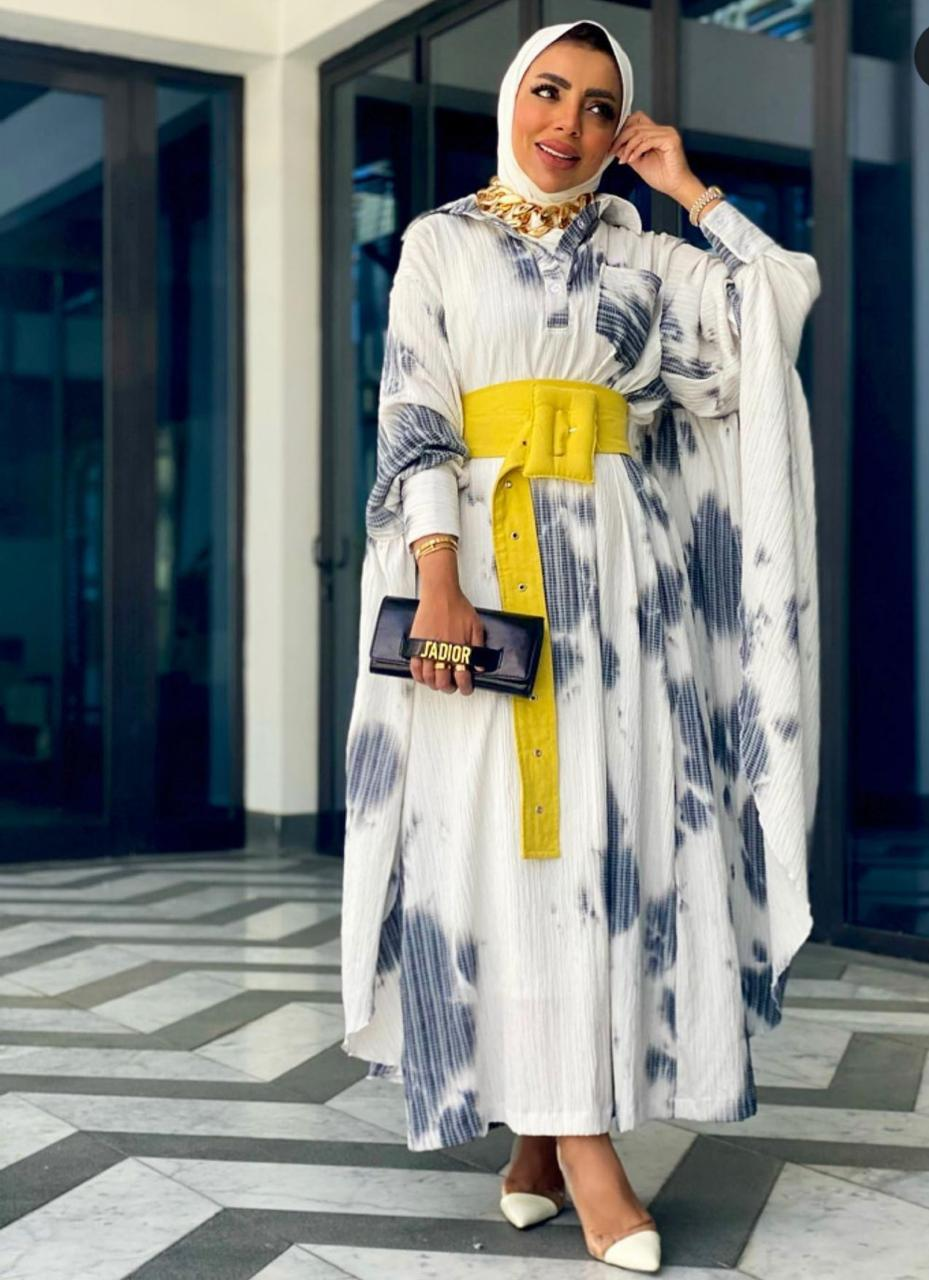عايشة الحازم بإطلالة الأزياء المطبعة للربيع -الصورة من حسابها على الانستغرام