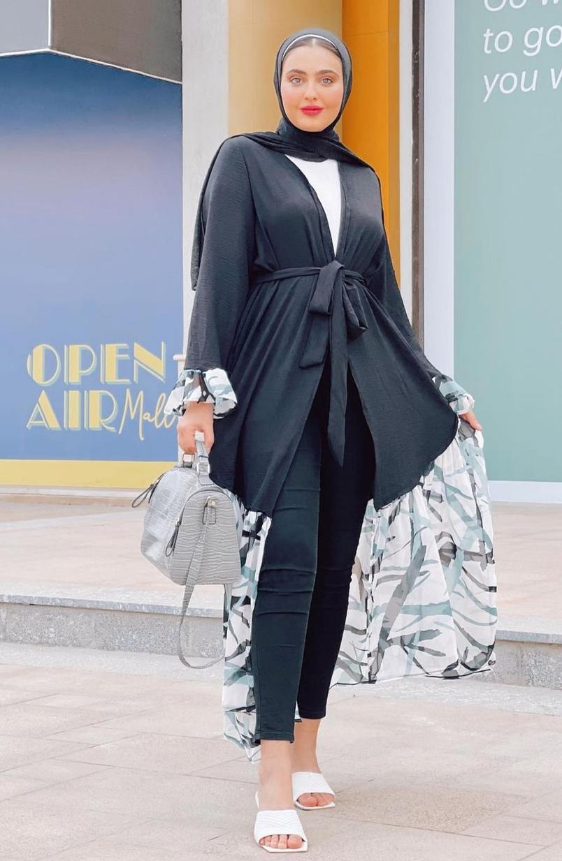 مريم حسن بالعباية الرمضانية -الصورة من حسابها على الانستغرام