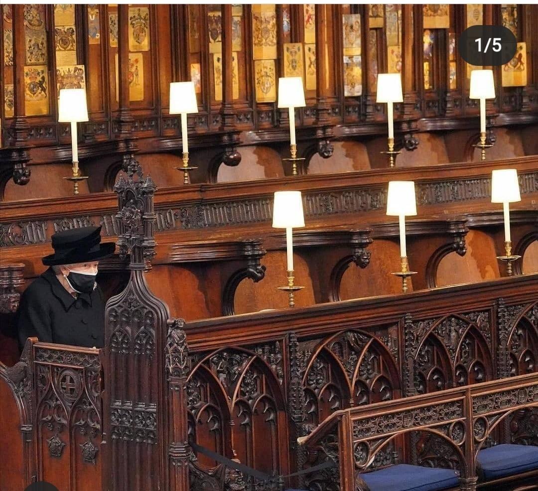 الملكة أثناء جنازة الأمير فيليب– الصورة من إنستغرام