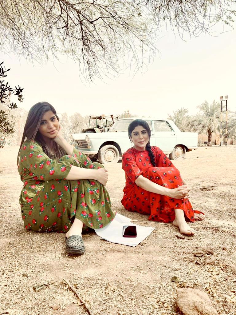 من كواليس العمل حصة البلوشي مع شقيقتها الفنانة زارا البلوشي