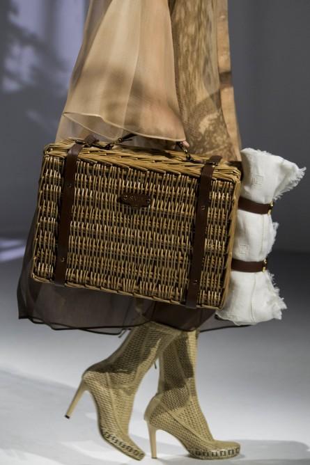 من أشهر أشكال حقائب السلة الحقيبة التي تستخدم لوضع الطعام في النزهات