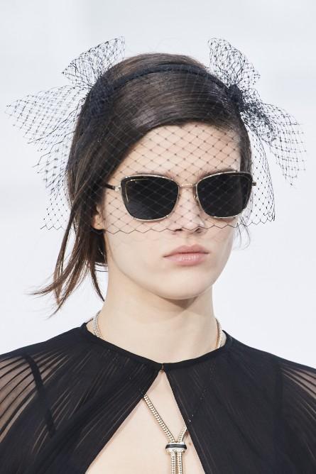 نظارة من شانيل