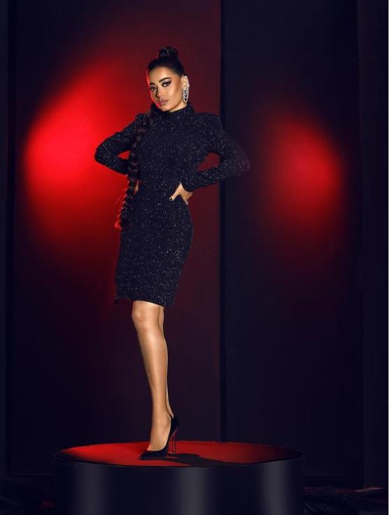 رحمة رياض ترتدي الأسود البراق صورة من انستقرامها الخاص @rahmariadh