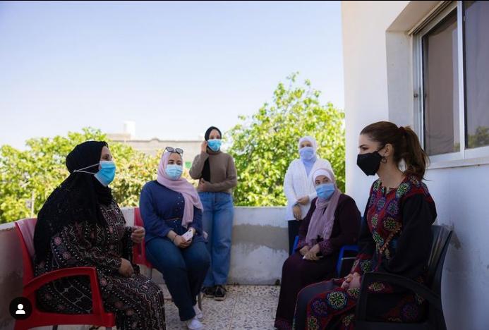 من حساب المعجبين بالملكة رانيا على انستغرام