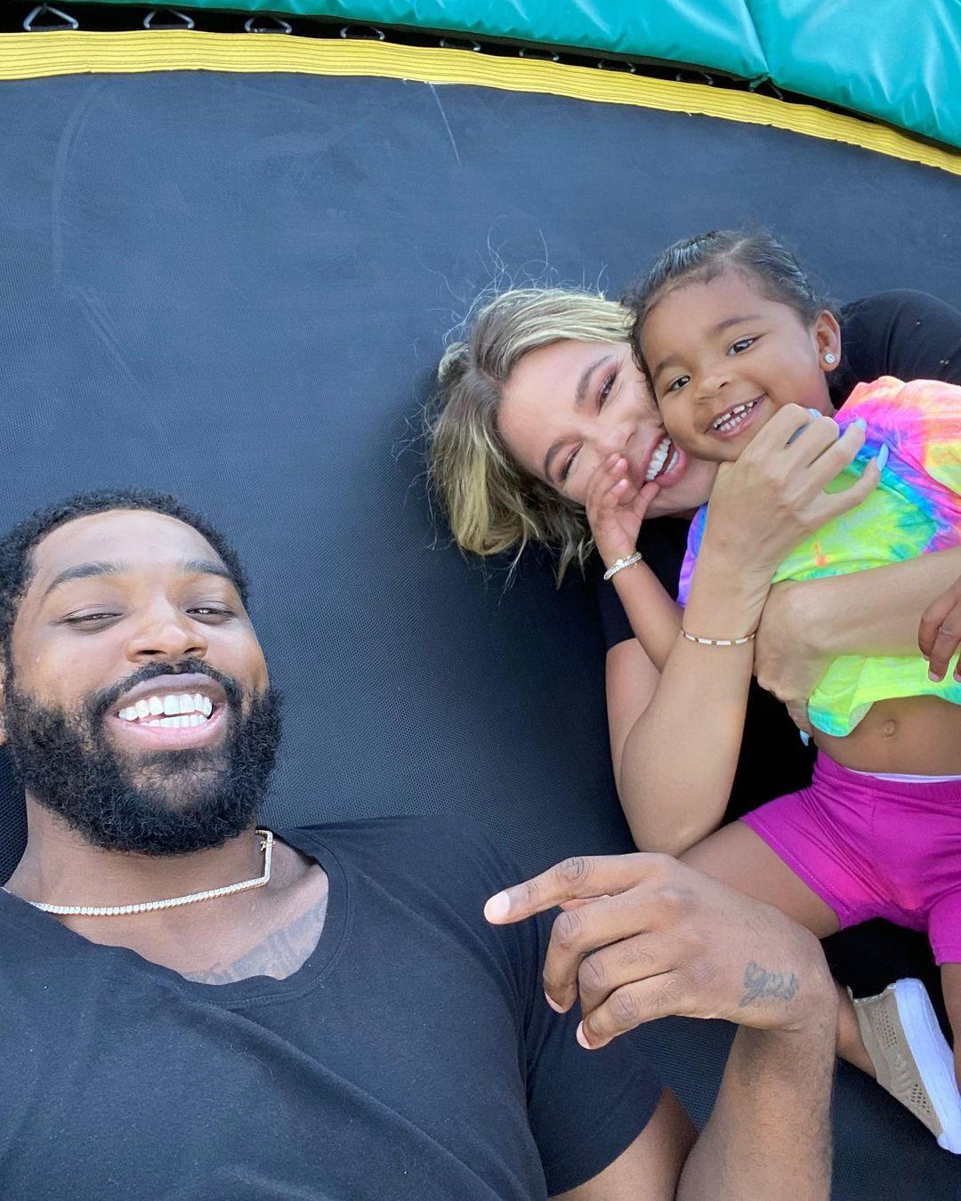 تريستان سعيد مع كلوي وابنتهما ترو..ومازال يضع صور كلوي بحسابه في أنستغرام-الصورة من أنستغرام