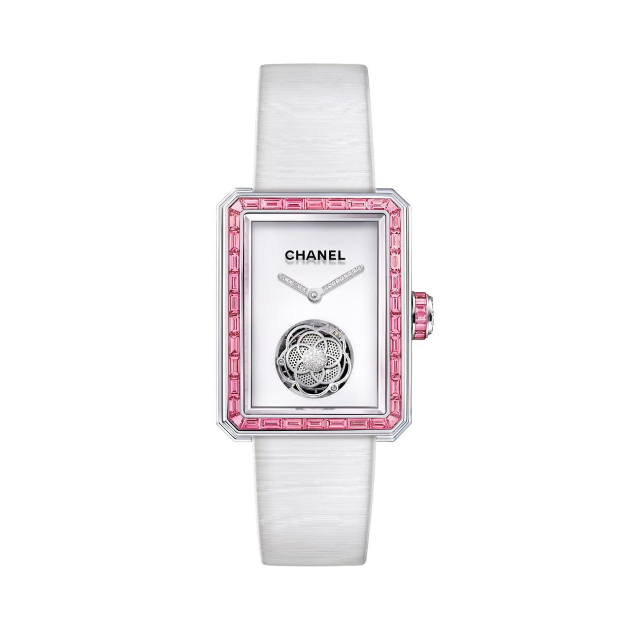ساعة «première flying tourbillon» من شانيل«Chanel»