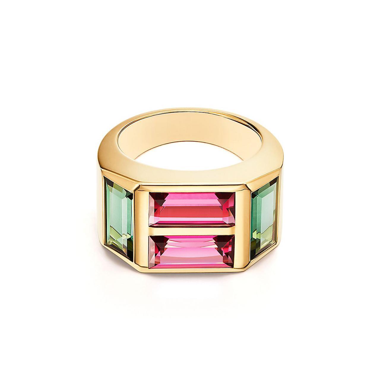 خاتم باغيت بأربعة أحجار من علامة تيفاني أند كو«Tiffany&Co»