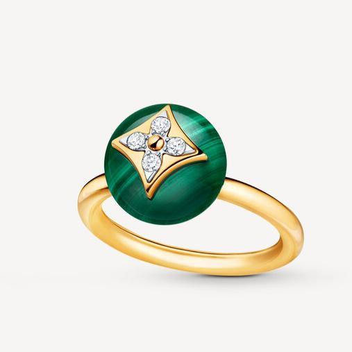 خاتم المالاكيت الأخضر من لويس فيتون «Louis Vuitton»