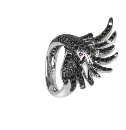 خاتم مرصَّع بالأحجار الكريمة السوداء من بوشرون «Boucheron»