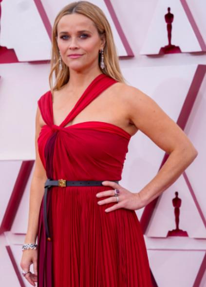 ريس ويزرسبون Reese Witherspoon بمجوهرات من بولغري Bvlgari
