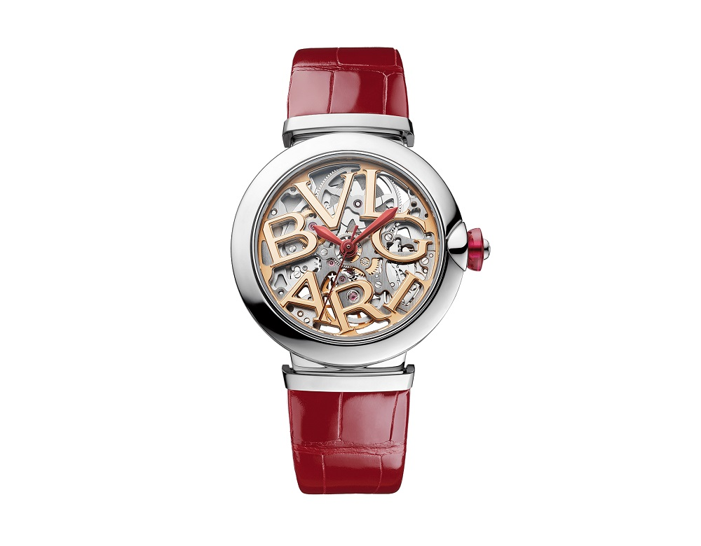 ساعة حمراء من بولغاري «Bvlgari»