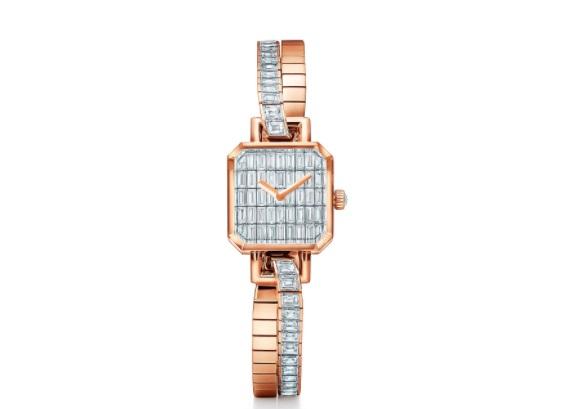 ساعة من الذهب الوردي والألماس من تيفاني أند كو .Tiffany & Co