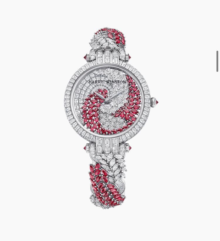 ساعة مرصعة بالحجر الأحمر، من هاري وينستون Harry Winston