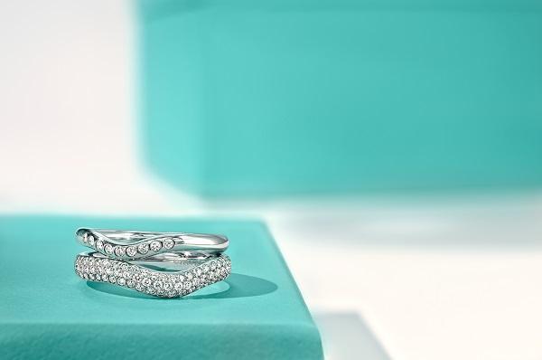 تشكيلات خواتم الخطوبة والزفاف من تيفاني أند كو Tiffany & Co.