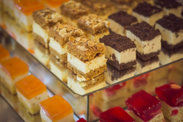 مريض السكري يجب عليه التخلي عن الحلويات الدسمة
