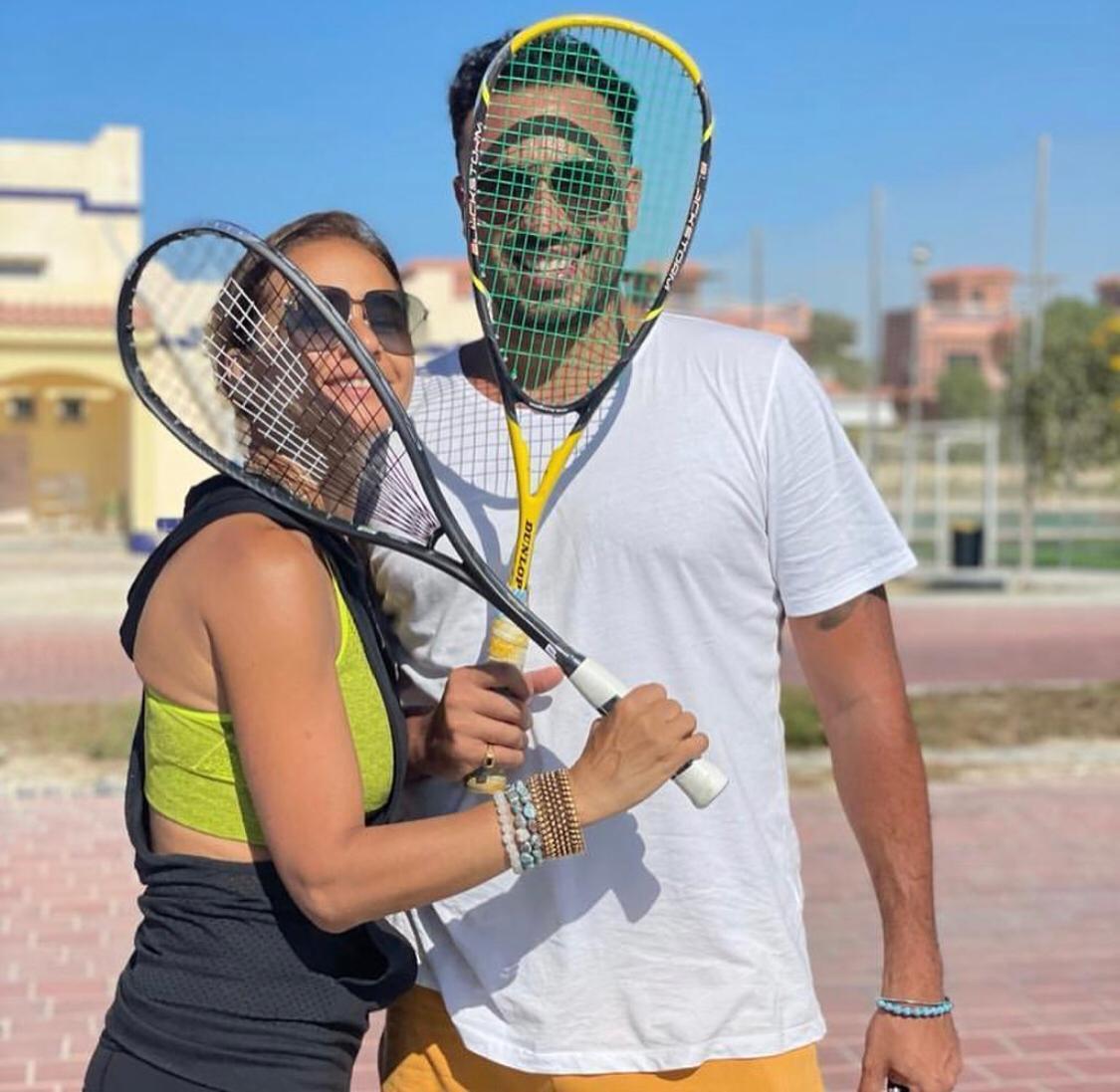 نيللي كريم وخطيبها .. الصورة من فانز نيللي كريم على فيسبوك.jpg