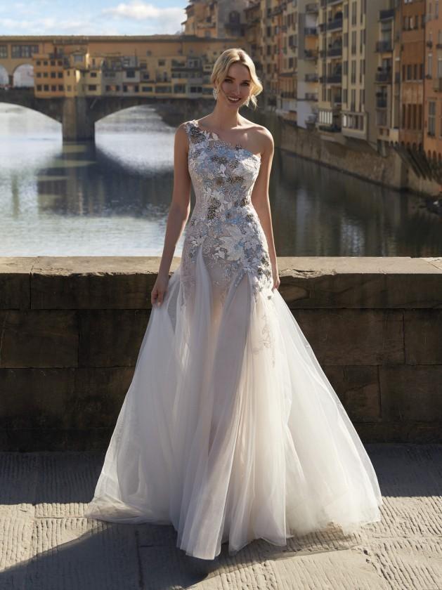 فستان زفاف بكتف واحدة من Nicole Milano