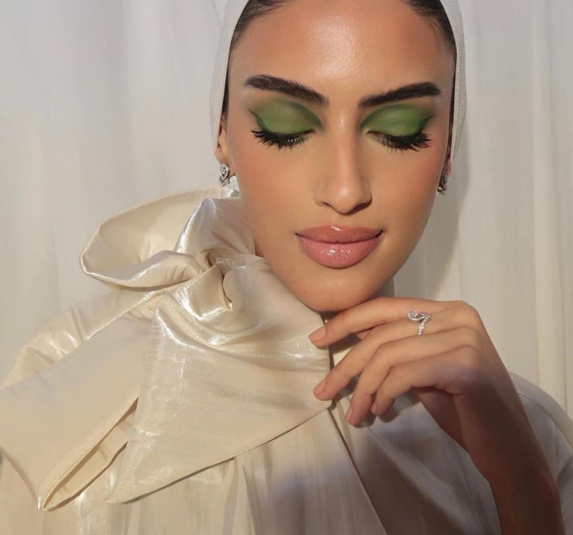 5 يارا النملة بمكياج العينين الأخضر -الصورة من حسابها على الانستغرام