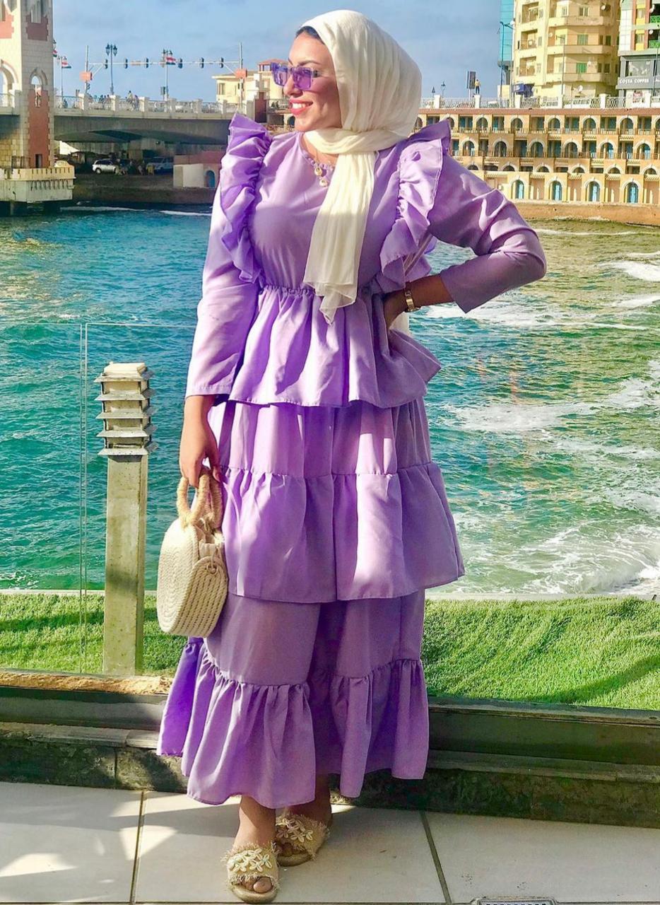 8 نيفين بفستان بطبقات من القطن -الصورة من حسابها على الانستغرام