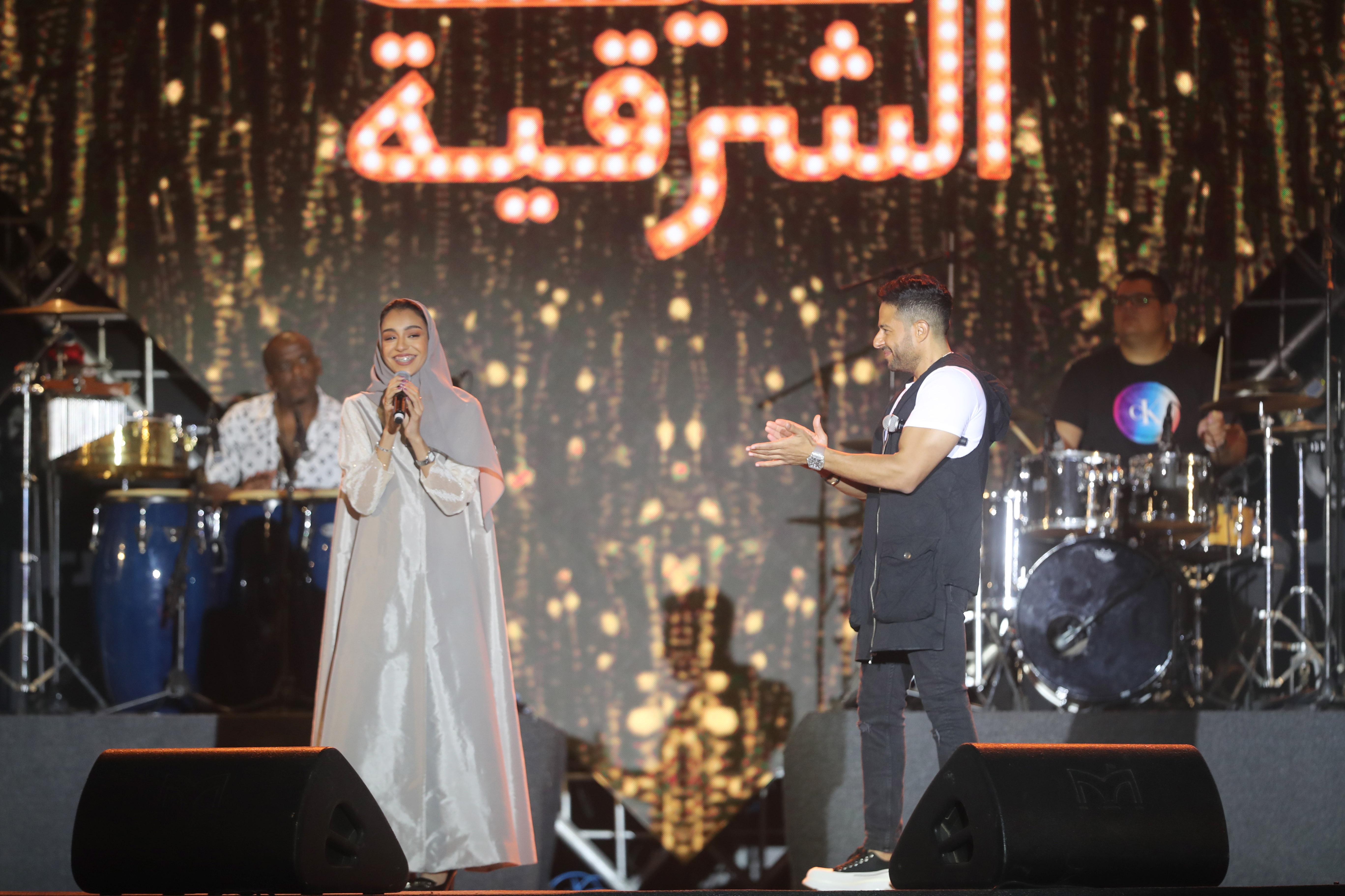 محمد حماقي وزينة عماد من الحفل - تصوير عيسى الدبيسي