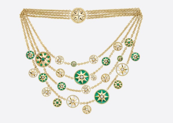 عقد من الذهب الأصفر المرصع بالألماس والزمرد من Dior