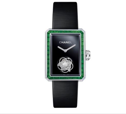 ساعة من الزمرد والألماس من Chanel