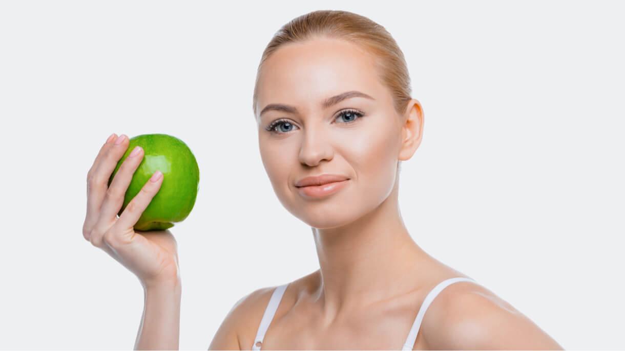 التفاح لتبييض البشرة