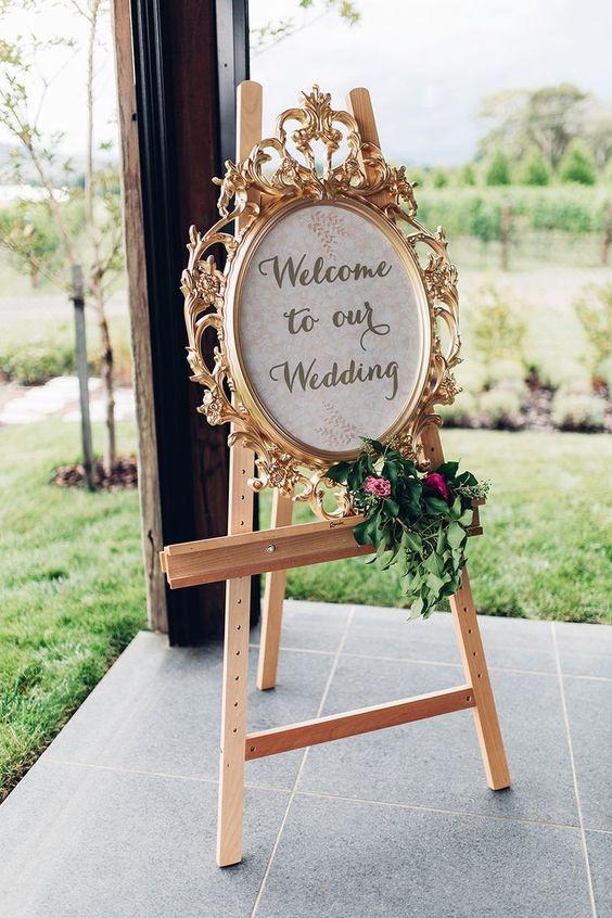 لافتة زفاف باللون البرونزي