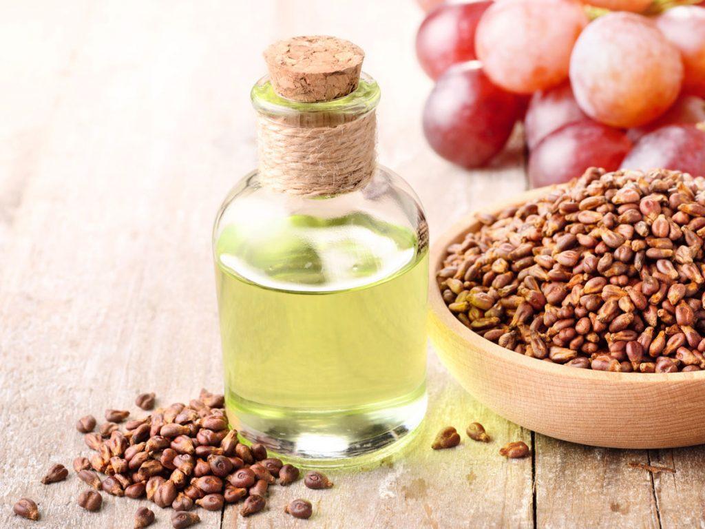 فوائد زيت بذور العنب للبشرة