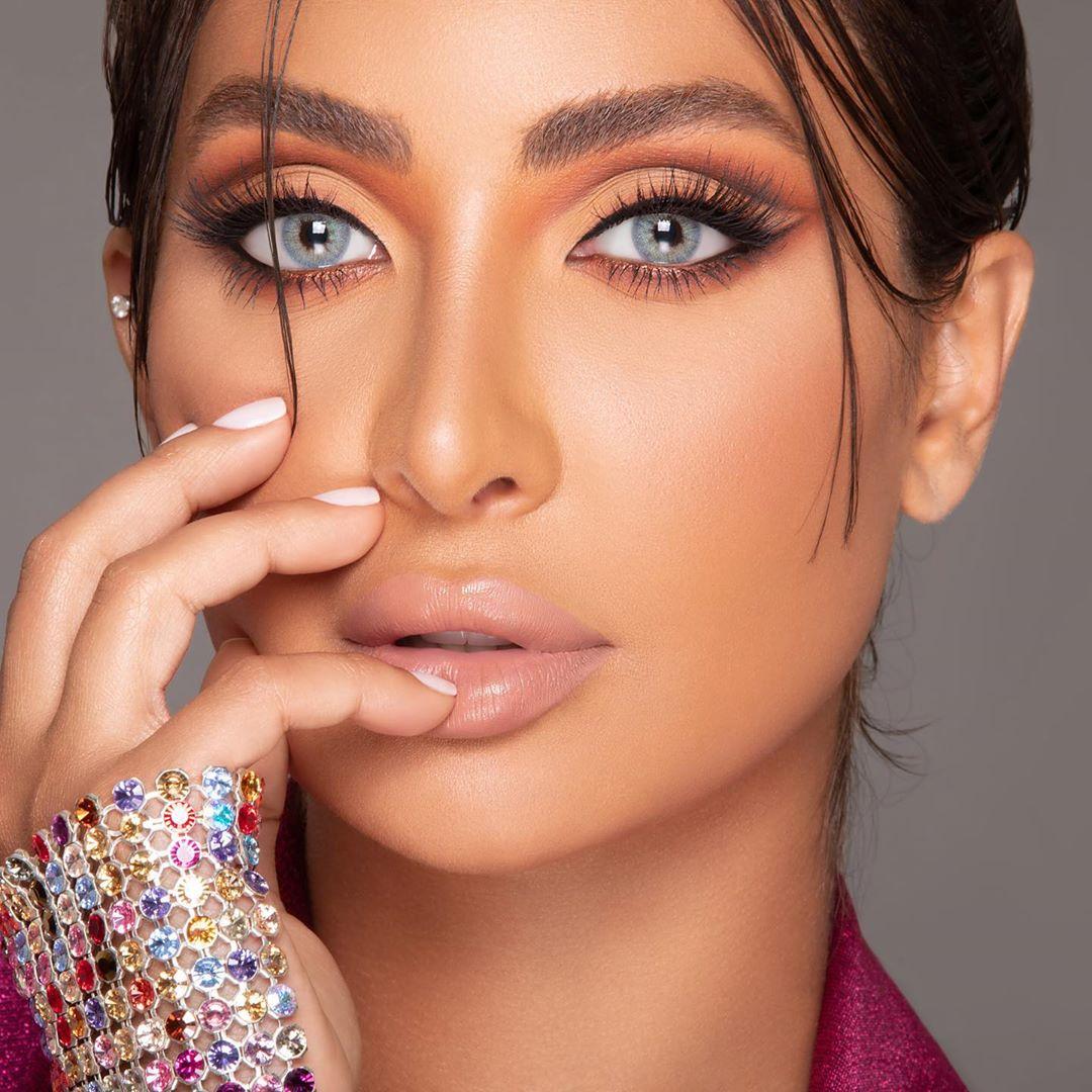 مكياج عيون غرافيكي من نور الغندور