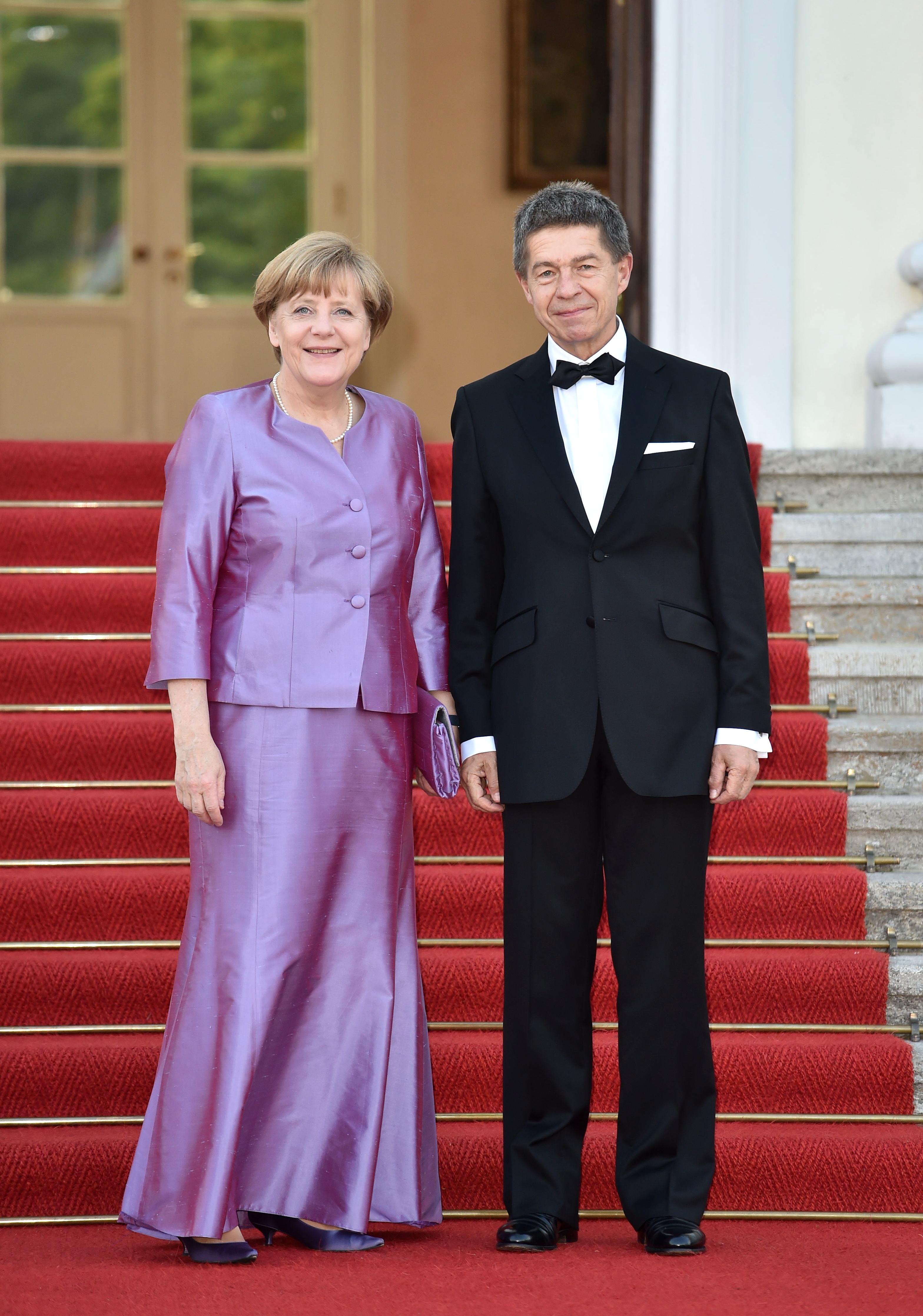 أنجيلا ميركل وزوجها يواخيم زاور.jpg-