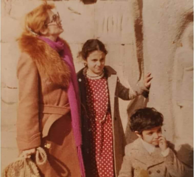 شهيرة وولداها رانيا وعمرو