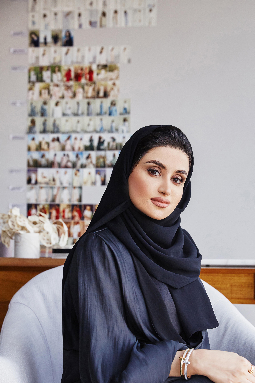 المصممة الاماراتية ياسمين الملا