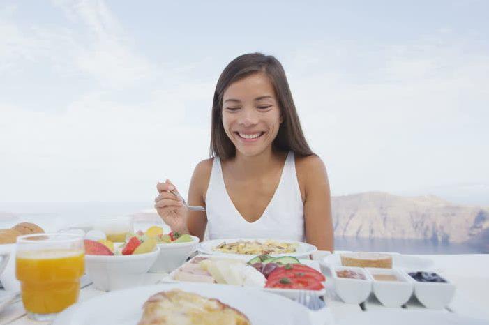 تناولي الأطعمة الصحية