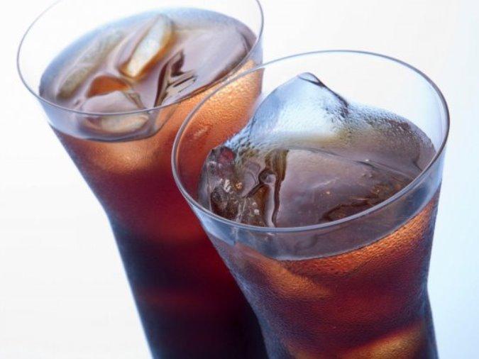 كوبان من الكولا يومياً يزيدان خطر الفشل الكلوي