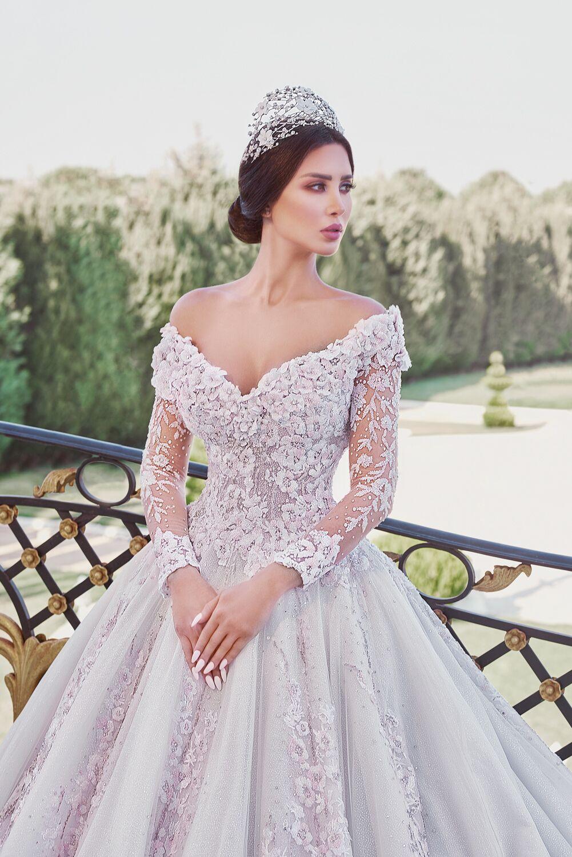 فستان عروس بتصميم لافت من رامي سلمون