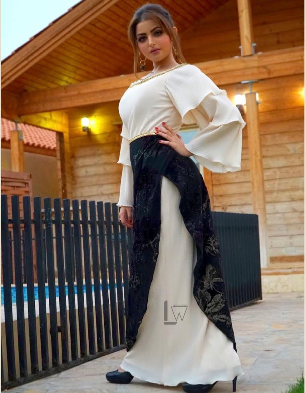 فستان من تصميم الاء الجيلاني