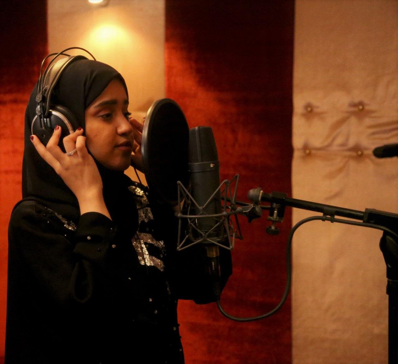 الفنانة السعودية راوية الهاشمي