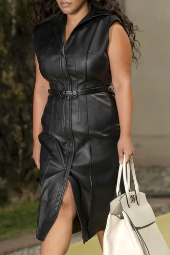 فستان أسود ميدي من Salvatore Ferragamo
