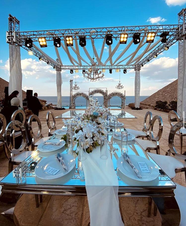 حفل زفاف فخم على شاطئ البحر