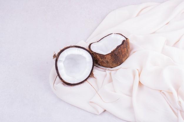 وصفة الطحينة وزيت جوز الهند لعلاج تقصف الشعر